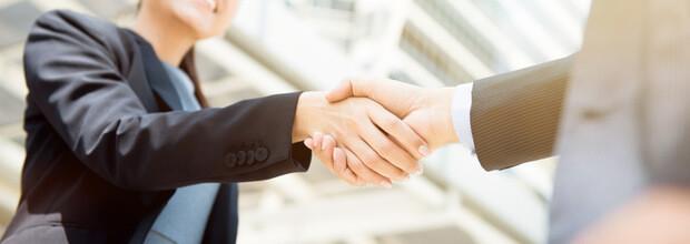 Einen Vertrag im Direktvertrieb schließen bedeutet der zukunft im Network Marketing einen Schritt näher zu kommen.