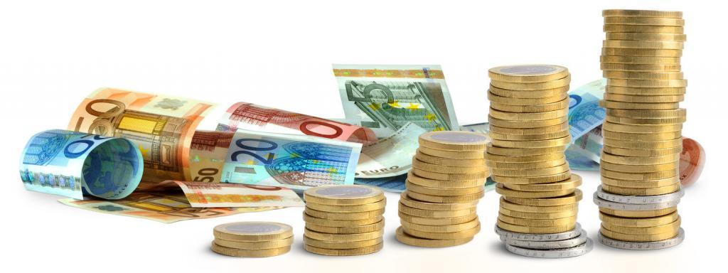 Viel Geld, Scheine und Kleingeld, PM-International Gehalt von den besten Networkern aufgelistet.